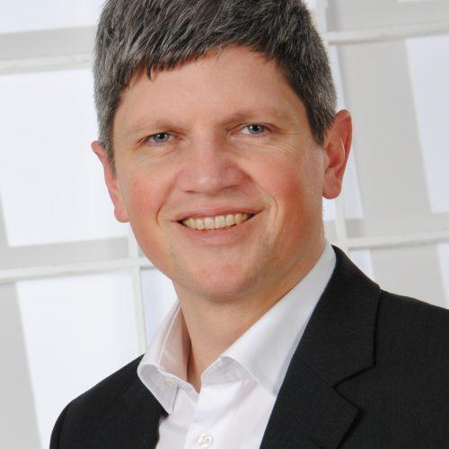 DR. ROBERT ADUNKA